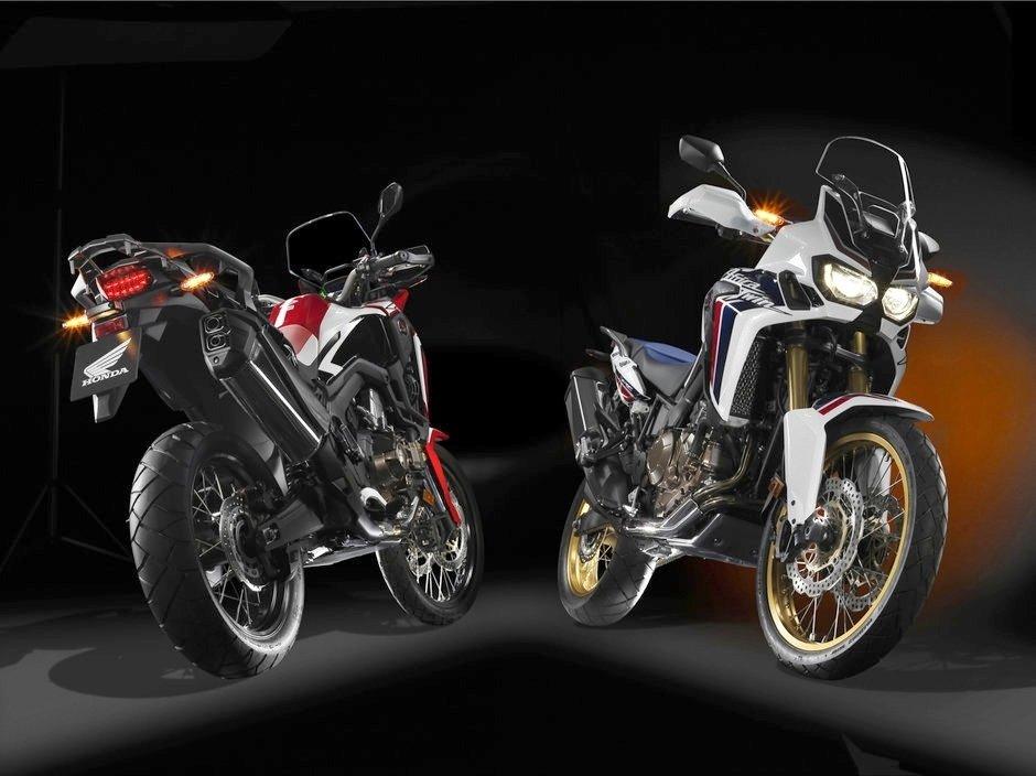 Honda CRF1000L Africa Twin julkaistaan neljässä eri värissä, joista kaksi on Suomen tuontiohjelmassa: -CRF Dakar Rally -Tricolor.