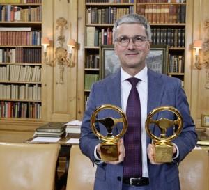Rupert Stadler ja Audin Kultainen ohjauspyörä 2015 -palkinnot.