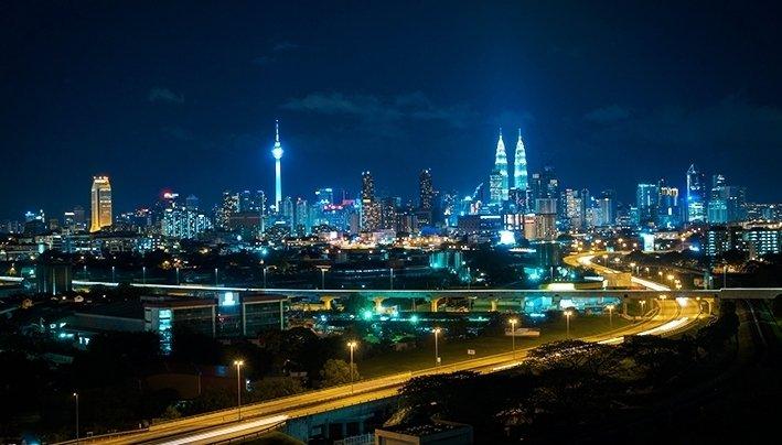 Kuala Lumpur yöllä. Kuva: i.gunawan.