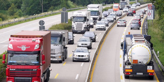 Liikenteen päästökauppaa valmistellaan väkisin